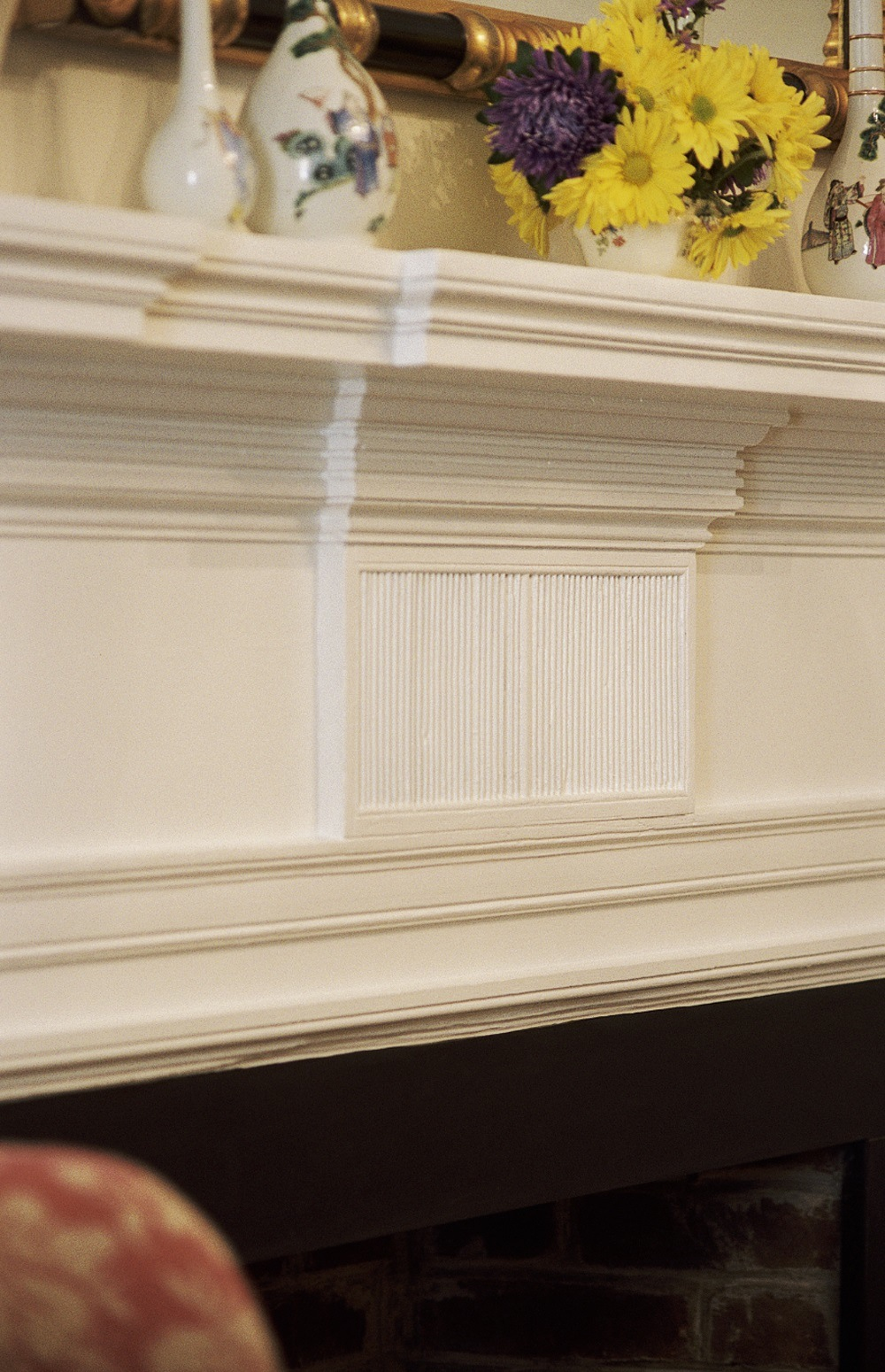AW4-25Mantel-front-detail
