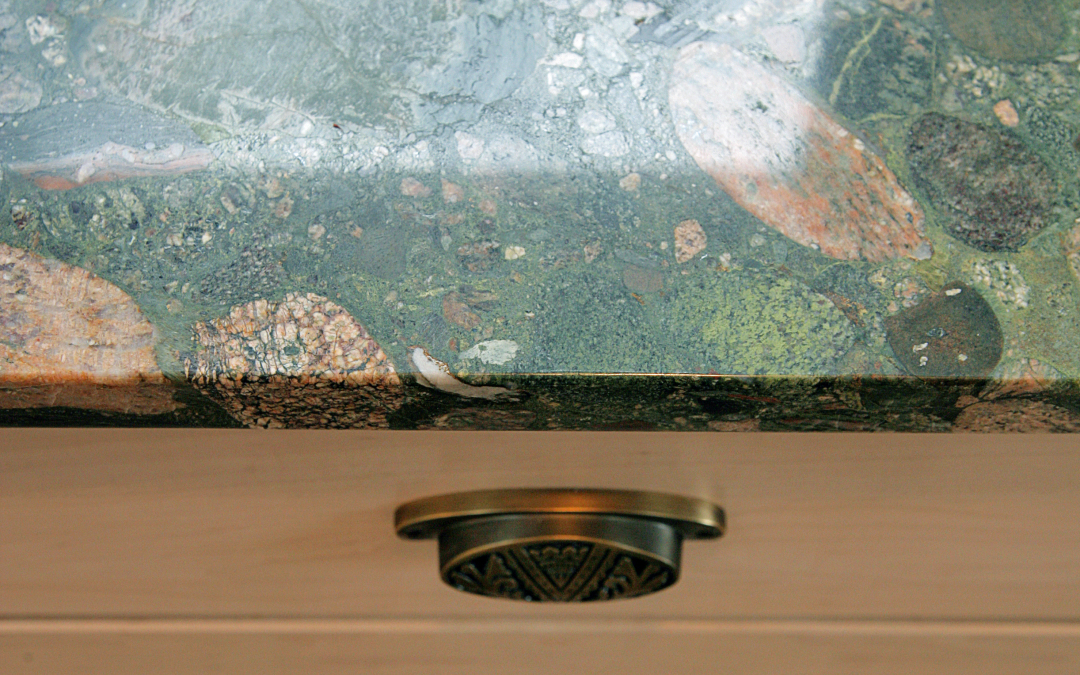 The stunning Marinachi granite countertops draw numerous compliments