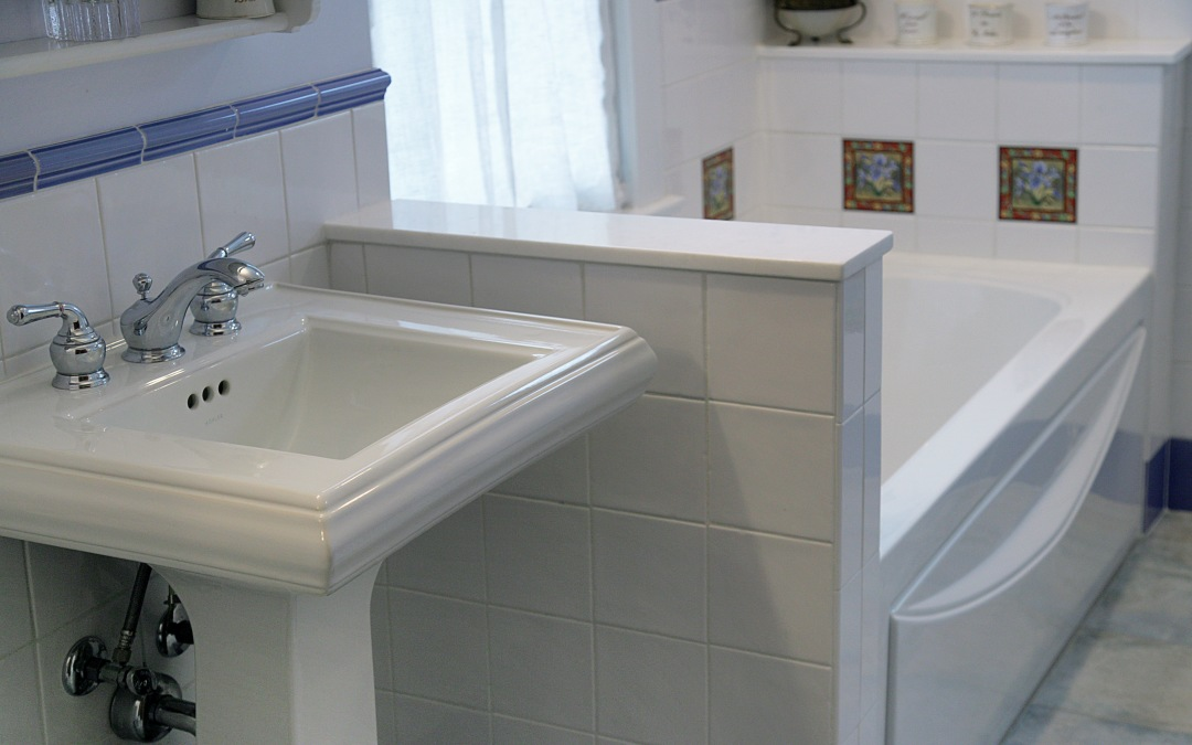 The space saving pedestal sink